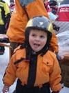 Šťastný majitel nové lyžařské helmy